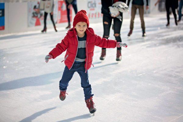 Eislaufen im Winterurlaub im Lungau, Salzburg